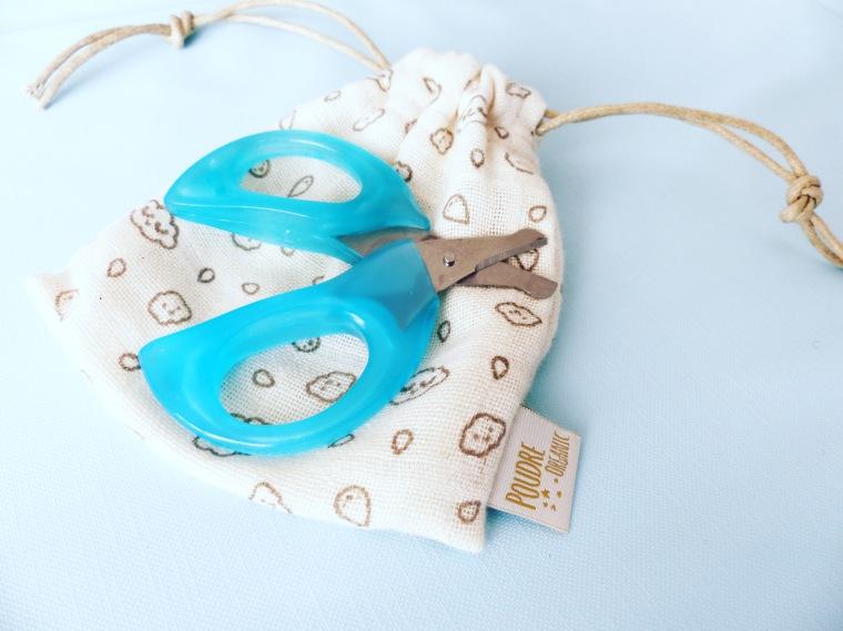 Paire de ciseaux à bouts ronds : Bébé Confort