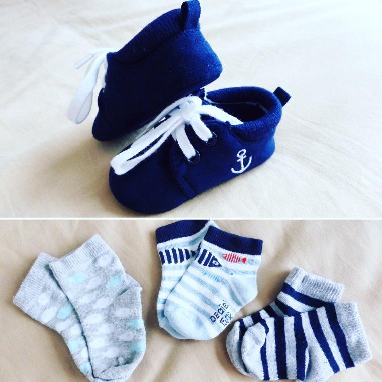 Chaussures : Z Génération Paires de chaussettes : Okaïdi et George (tout à droite)